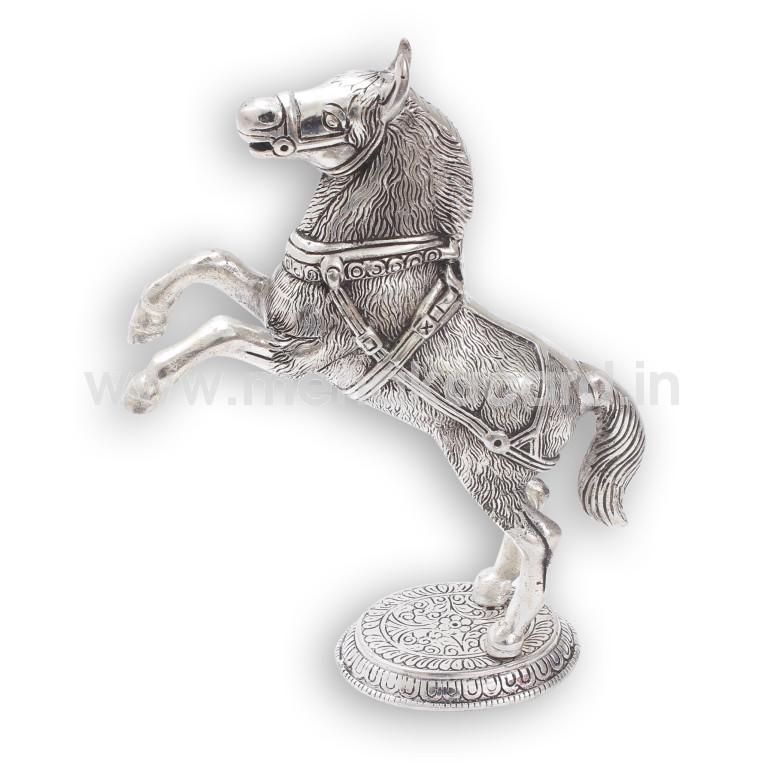 Horse jumping Pair